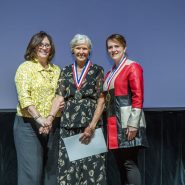 Young Audiences Trustee Liz Fillo receiving a Young Audiences' Distinguished Arts Leaders Governor's Award.